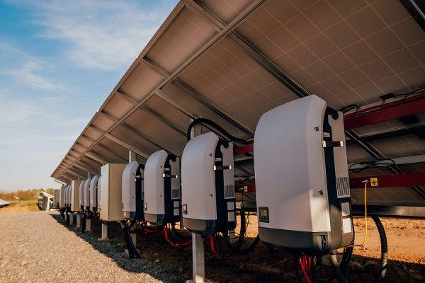 How The 3-Phase Inverter Compliments a Household System
